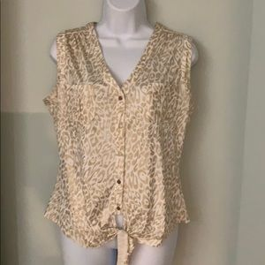Beautiful Cache Top gold and white size medium